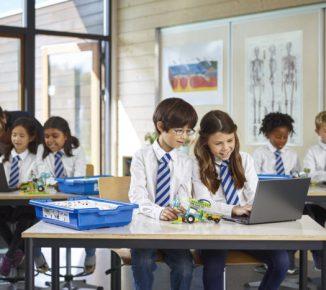 فناوری اطلاعات برای مدارس